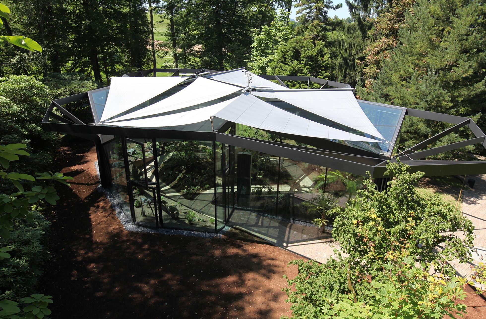 sonnensegel in edlem design f r terrasse und garten. Black Bedroom Furniture Sets. Home Design Ideas