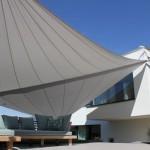 Filigrane Dachbefestigung Sonnensegel in Schwyz