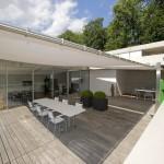 Filigraner Sonnenschutz - elektrisch aufrollbares Sonnensegel in Winterthur