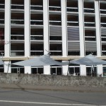 Automatische Sonnensegel nach Mass für öffentlichen Platz in Santa Croco