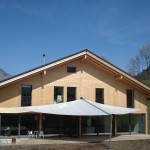 Terrassen Überdachung: Sonnensegel in Frutigen BE