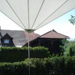 Sonnensegel rollbar mit einer Stütze: Wohnhaus in Albis ZG 1067