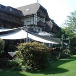 Gastronomie: Sonnensegel aufrollbar in Le Vieux Manoir Murtensee (Schweiz)