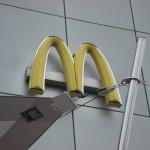 Sonnensegel aufrollbar McDonalds Crissier VD