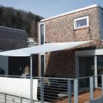 wegrollbares Sonnensegel wasserdicht schützt vor Sonne und Regen - hier Projekt in Langnau