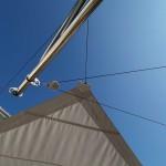 Fassadenbeschattung mit Sonnensegel aufrollbar