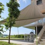 Terrassenüberdachung: Esstisch im Schatten