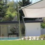 filigranes Sonnensegel aufrollbar: Gartenanlage in Nyon VD 0714