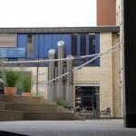 Automatisches Sonnensegel aufgerollt: Berufsbildungszentrum Zürich 1830