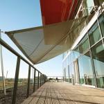Projekt: aufrollbare Sonnensegel Bürogebäude