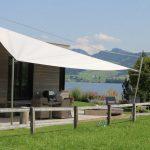 Sonnensegel für Wohnhäuser: Licht und Schatten