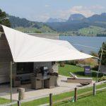 Privathaus mit Sonnensegel am Bergsee