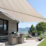 Terrassenüberdachung mit Segel: Schattenplatz zum Verweilen